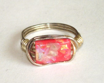 vintage iridecent pink stone silver wire ring size 5
