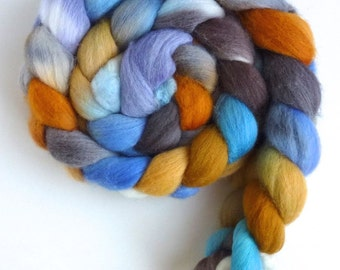 Organic Polwarth Roving - Handpainted Spinning or Felting Fiber, Clear Light Dawning