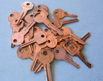 Vintage Key Keys Vintage House Keys Car Keys Suitcase Keys Steampunk Keys DIY Jewelry Keys