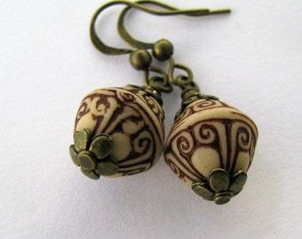Rust Brown Carved Pattern Earrings, Brown Earrings, Beige Brown Earrings, Copper Earrings, Folk Pattern Earrings