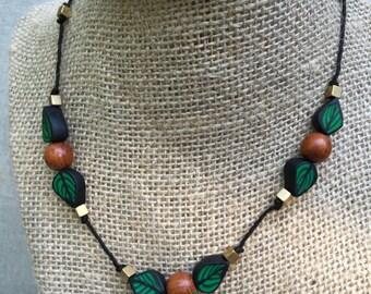 Leaf String Necklace I