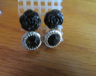 black roses and gem earrings set posts