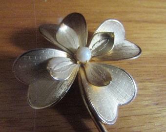 4 leaf clover brooch