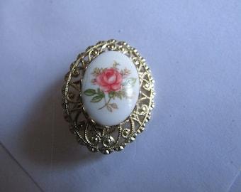 Rose cameo brooch