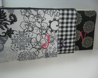 Set of 3 - Bridesmaid Makeup Bags - Personalized Clutch - Monogrammed Zipper Pouch - Wallet -Your Choice, Made to Order