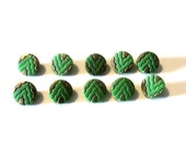 Glass sewing buttons - Set of 10 - diminutive - green