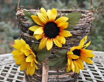 Flower Girl Basket - Rustic Wedding Flower Basket - Country Wedding - Wedding Decorations - Table Decor - Summer Wedding - Sunflower Basket