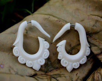 Fake Gauge Earrings Bone Split Gauge Earrings Fancy Craved tribal fake piercings hand carved natural
