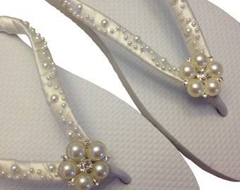 Bride Flip Flops - Pearl Flip Flops - Bridal Flip Flops - Wedding Sandals - Bridal Sandals -  Bride Beach Shoes - Custom Colors Available