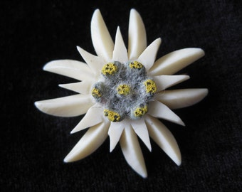 Edelweiss Flower Off White Brooch Vintage Pin Carved