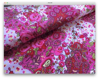 Beautiful European Rose Floral : 1/2 yard