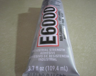 E6000 - Glue - Adhesive - 3.7oz and Nozzle - Shipping included