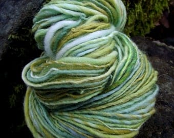 Handspun yarn, wool worsted yarn handpainted yarn, handmade yarn green dk -SOFT SPRING