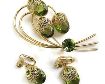 """Vintage Olivine Rhinestones """"Touch of Elegance"""" Flower Brooch or Pin and Earrings Demi Parure Set signed SARAH COV by D&E Juliana"""