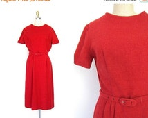 Red Wool Wiggle Dress 1950s Valentine's Day Pleated Short Sleeved Sheath Dress Midi Length Modern Belted 50s Vintage Womens Medium Large