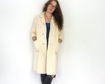 50s Coat Chunky Woven Cream Knit Swing Coat SEA SHELL Buttons White Textured Peacoat Minimal Button Up Coat Louanne's Vintage Medium