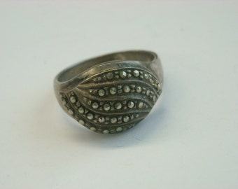 sterling silver marcasite ring as is  ( C 22 )