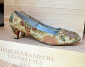 Vintage 1960's Tapestry Pumps, Low Heel, Pietro for Neiman Marcus, Size 9 and a half, 9 1/2, 60s vintage shoes