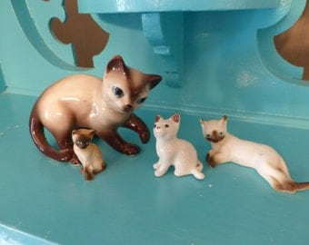 Sooooweet Group of Vintage Ceramic Siamese Cat Kittens Figurines