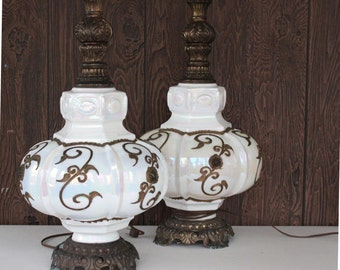 Beautiful Vintage Opal White Living Room Lamp Set