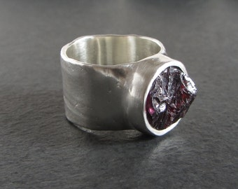 Sterling silver and rough garnet ring // size 6 / rough stone ring / silver band ring / raw garnet ring / rustic ring / artisan ring