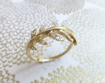 Laurel leaf engagement ring. 14k yellow gold wreath ring. Diamond leaf ring. Anniversary leaf vine ring. Ready to ship.