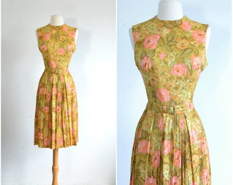 60s Floral Dress / Belted Day Dress / 1960s Dress / Full Skirt Vintage Dress / small to medium