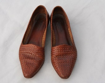 Size 8.5 Vintage Woven Brown Leather Flats Shoes