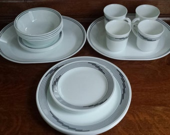 """CORELLE CorningWare """"Optic"""" 22pc Set Vintage B&W Pattern Vitrille Glass 2 Oval Serving Trays 4ea Mugs Saucers Bowls Bread and Dinner Plates"""