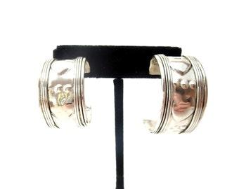 Chunky Unmarked Silver Tone Metal Vintage Bohemian / Boho Textured Heart Pierced Hoop Earrings