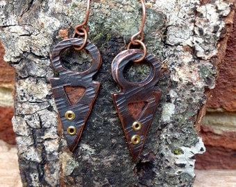 Oxidized Copper Cold Connection Arrowhead Earrings
