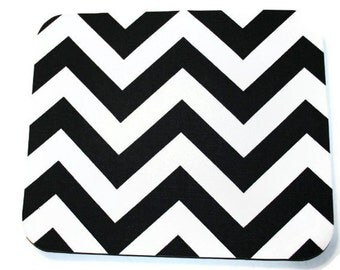 Chevron Mouse Pad mousepad / Mat - Rectangle or round - Black and White - Zig Zag