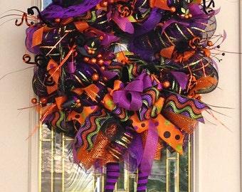 Witch Hat with Legs Halloween Wreath,Halloween Wreath with Witch Hat and Legs,Bats and Witch hats,Party Decoration,Front Door Wreath,