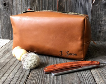 Personalized Dopp Kit - Mens Toiletry Bag - Leather Toiletry Bag - Groomsman Gift - Tan Bovaria