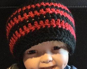 Black and red striped hat