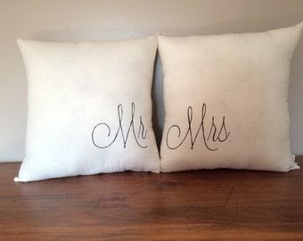 Mr & Mrs Pillow Set
