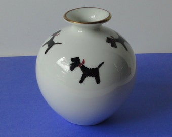 NORITAKE Nippon Toki Kaisha Porcelain Bud  Vase or Sake Bottle with Black TERRIER DOG .