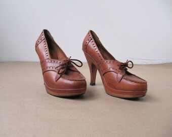 vintage 1970s leather and wood platform shoe 8.5