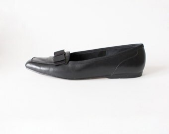 Vintage Black Leather Grosgrain Bow Loafers, size 9.5N