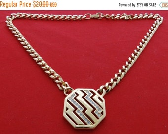 """20% off sale Vintage  17"""" gold tone necklace with attached 1.25"""" rhinestone pendant  in great condition"""