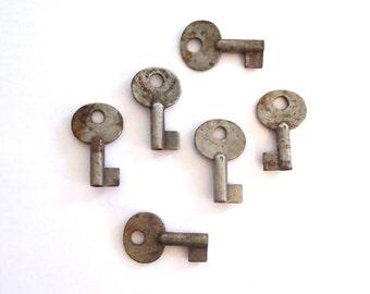 6 vintage skeletion keys Antique keys Blank skeleton keys Blank keys Keys for metal stamping Metal stamping keys Small keys Little keys #21