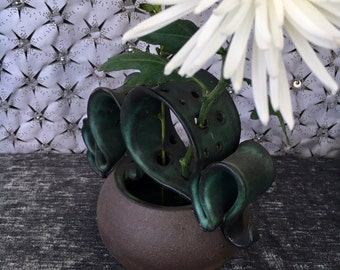Ceramic Wild Flower Vase in Forest Green and Black Mountain