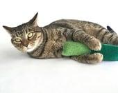 Organic Catnip Toy Wool Felt Twist Kicker Hand Knitted Felted Peapod Emerald Green For Cats Pets