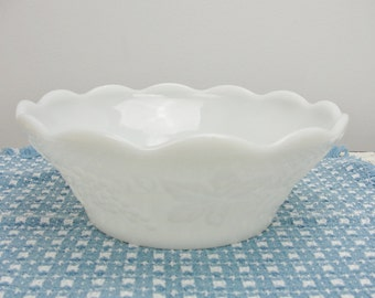 Vintage Anchor Hocking grape and ivy milk glass bowl
