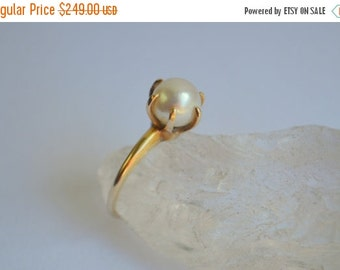 SALE 14 Kt Gold Pearl Ring