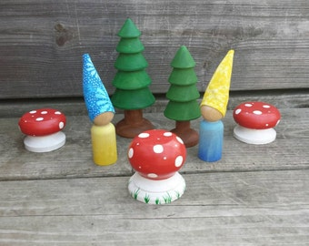 Stocking stuffer, Gnome family, gnome sweet gnome, traveling toy set, imaginative play, Waldorf gnomes, peg dolls, wooden toys, forest toys