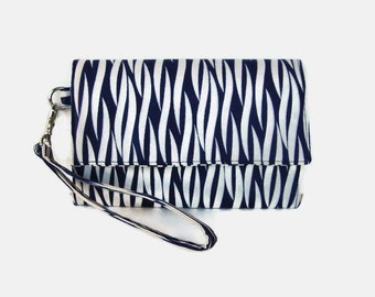 Blue and White Phone Wristlet Wallet - Cushioned Trifold Wristlet Wallet - Navy Smartphone Wristlet -  iPhone Pouch Wallet - Phone Clutch