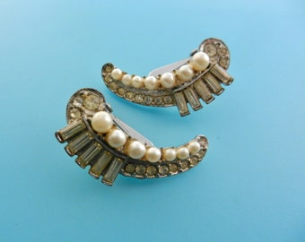 Ancient Art Deco  crescent shape Earrings - simulated pearls and rhinestones for a alluring wedding jewel - art.40/4 --