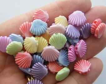 50 Shell beads acrylic