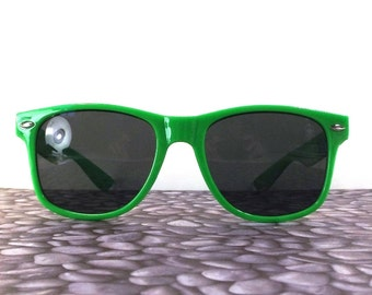 vintage 90s deadstock sunglasses wayfarer bright green plastic frame sun glasses eyewear fashion unisex simple classic dark black neon 47